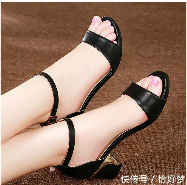 会穿高跟鞋的女人最有魅力,悄无声息的魅力,尽在不言中