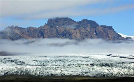 <b>冰岛打造纪念碑,缅怀因气候变迁而消逝的冰川</b>