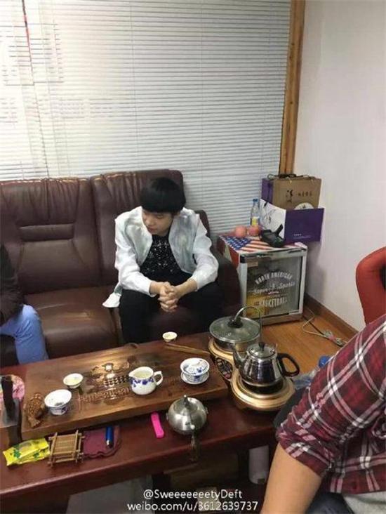 网友曝光EDG厂长近期照片