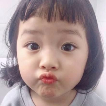 韩国嘟嘴头像小孩表情包出去玩gif_360v头像图片