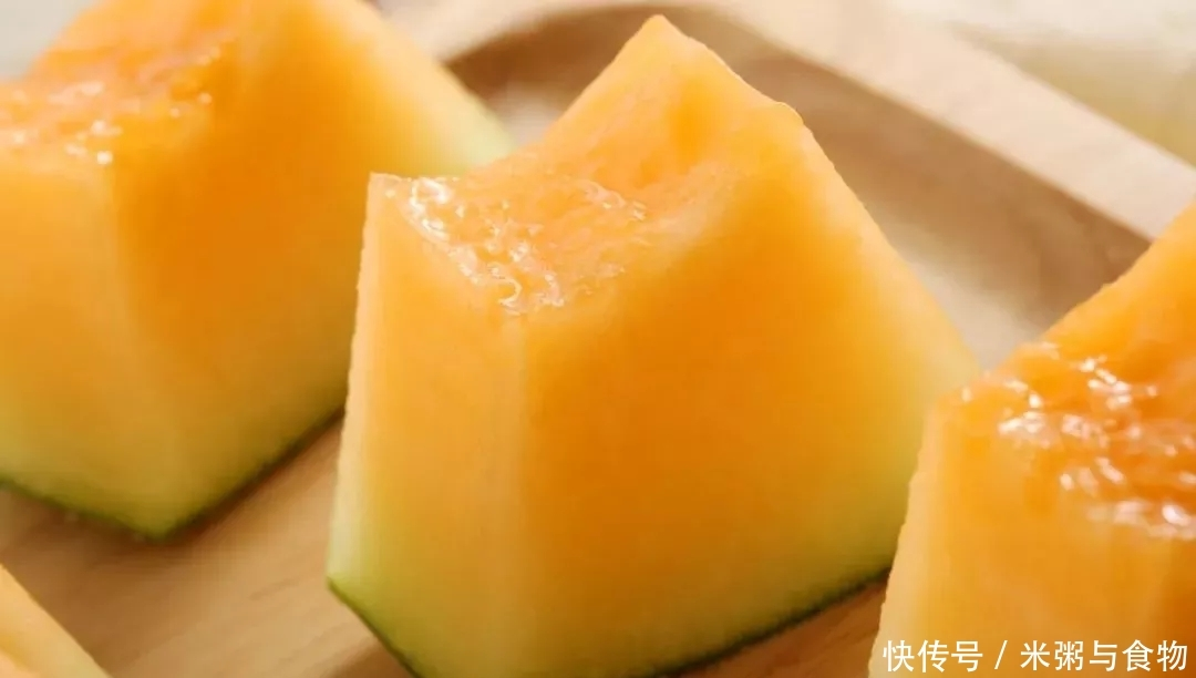 哈密瓜中王者,脆如梨,甜如蜜,清凉解暑,一嘴下去,汁水兜不住