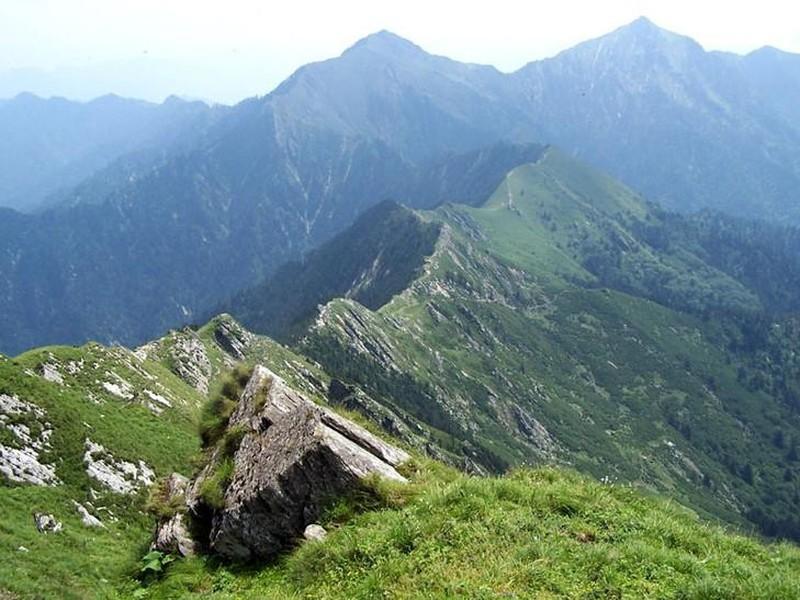 摩天岭生态旅游风景区总投资6000万元,景区位于成山头景区西北方向
