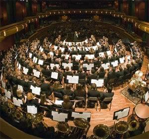 朱践耳的作品尚有管弦乐《节日序曲》,民乐合奏曲《翻身的日子》