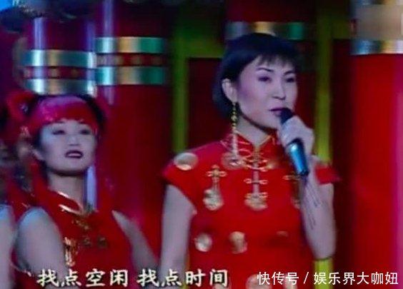 51岁陈红近照曝光,模样大变发福明显,如今的她迷上了广场舞