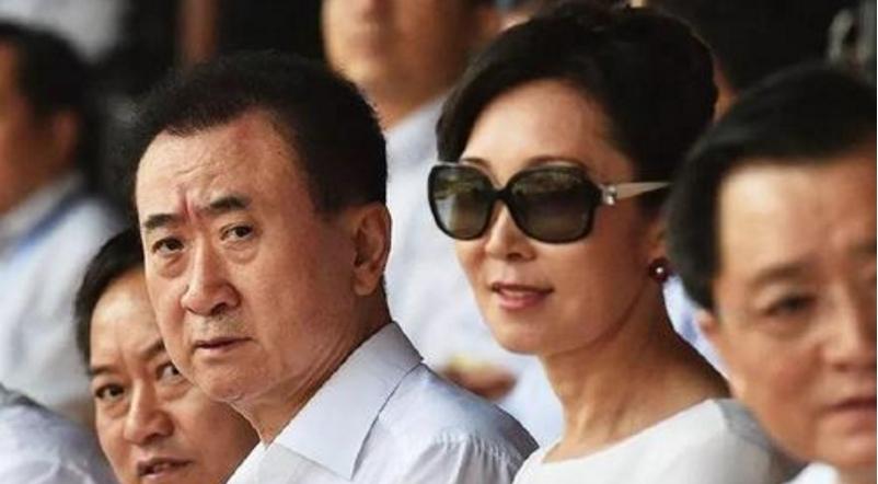 """嫁给王健林,生下王思聪,撕开""""国民婆婆""""神秘面纱"""