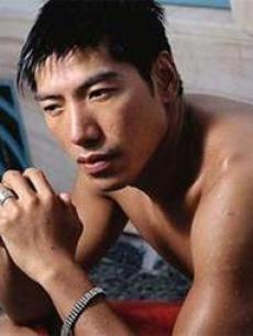 张耀扬roycheung  性别:男图片