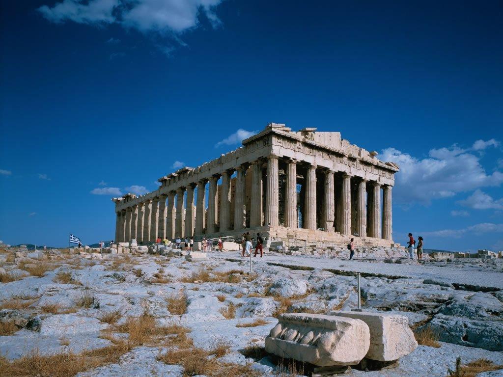 把卫城建设成为全希腊的最重要的圣地